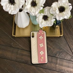 iPhone XS Max case. Like new. Floral design.